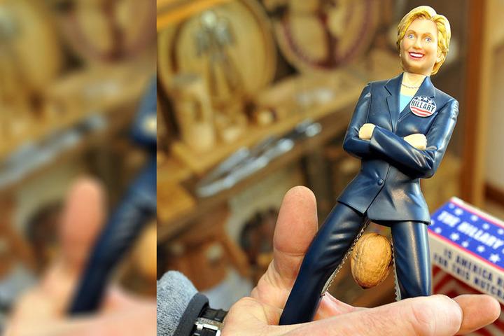 Donald Trump hat sich nicht geknackt, aber wenn es um Nüsse geht, macht Hillary Clinton eine gute Figur.