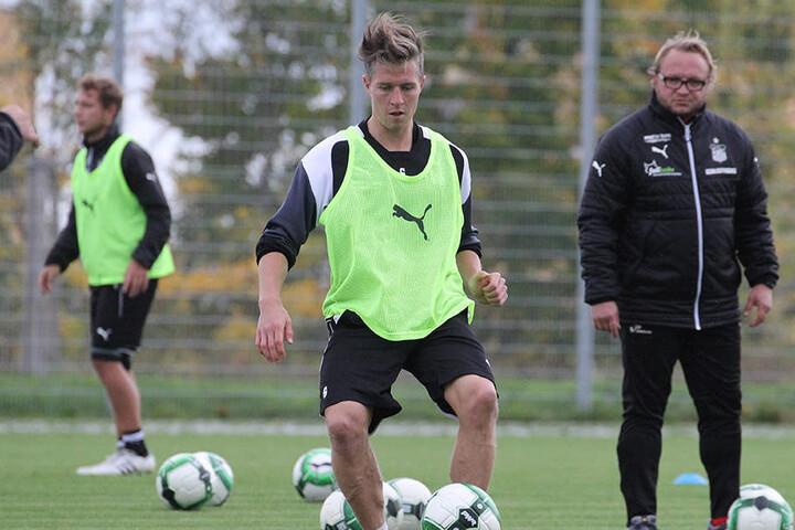 Der Beweis für die Rückkehr: Christoph Göbel beim Training am Ball.