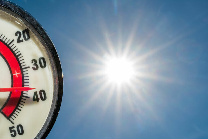 Während Deutschland unter Temperaturen über 30 Grad schwitzt, kletterten die Werte in Pakistan auf 54 Grad!