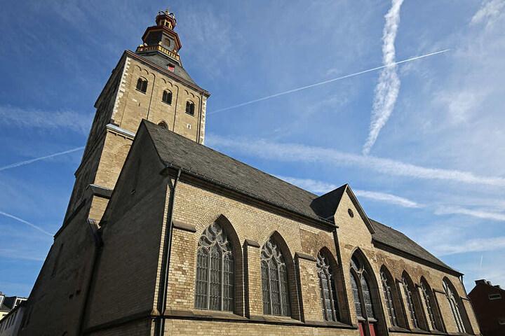 Die Kirche St. Ursula befindet sich nur wenige Minuten vom Kölner Dom entfernt und beherbergt die Goldene Kammer.