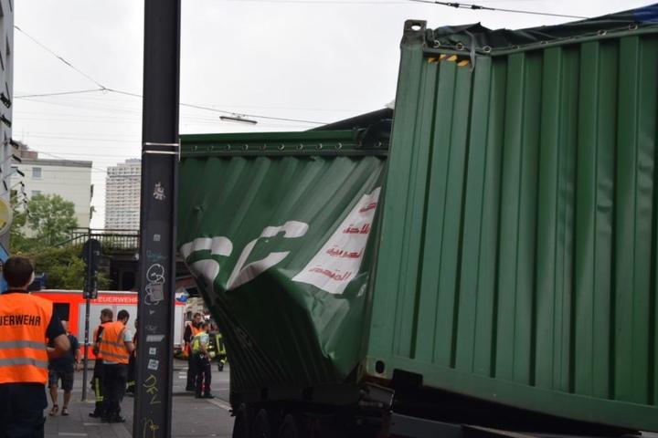 Der Container wurde bei dem Manöver zerstört.