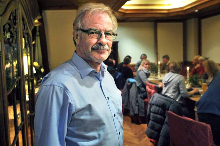 AfD-Vorsitzender in Bielefeld, Rolf Diekwisch, will Anzeige gegen die Ruhestörer erstatten.