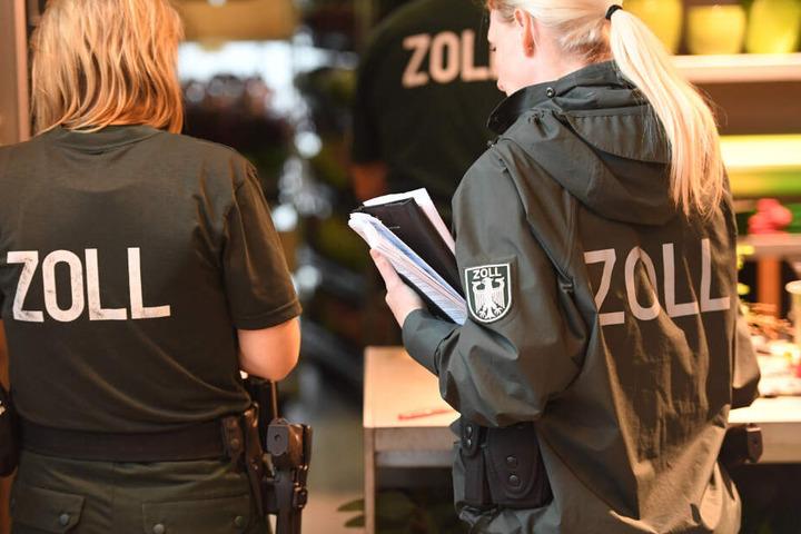 Hunderte Zollbeamte waren deutschlandweit im Einsatz und durchsuchten Hotels (Symbolfoto).
