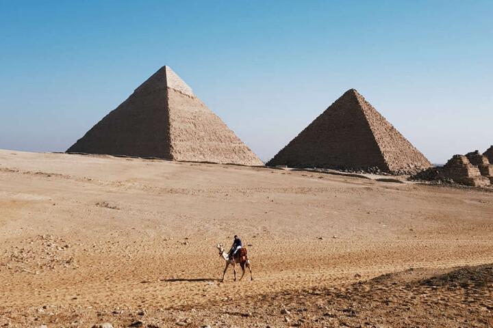 Die Pyramiden von Gizeh sind das größte Zeugnis der altägyptischen Hochkultur.