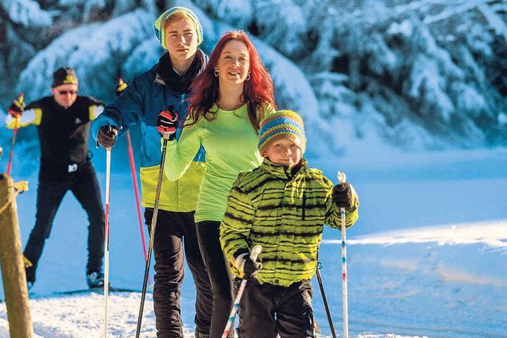 Ab in die Loipe: Mit Kind und Kegel frönten die Sachsen dem Langlauf.