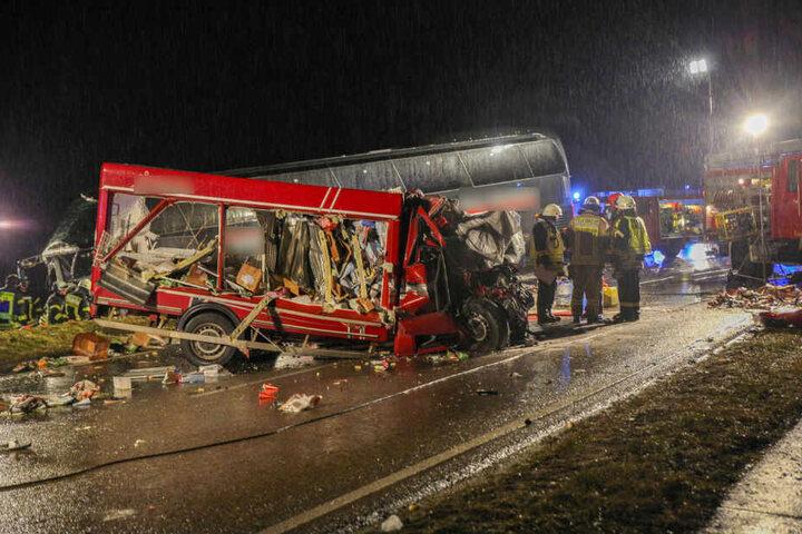 Ein Blick auf die Unfallstelle des tödlichen Horror-Unfalls auf der Bundesstraße 19.