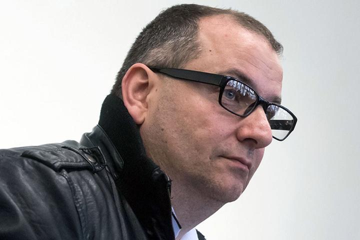 Wilfried W. steht mit seiner Ex-Partnerin vorm Paderborner Landgericht.