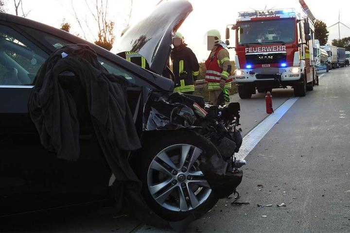 Auch der Opel wurde bei dem Crash schwer beschädigt