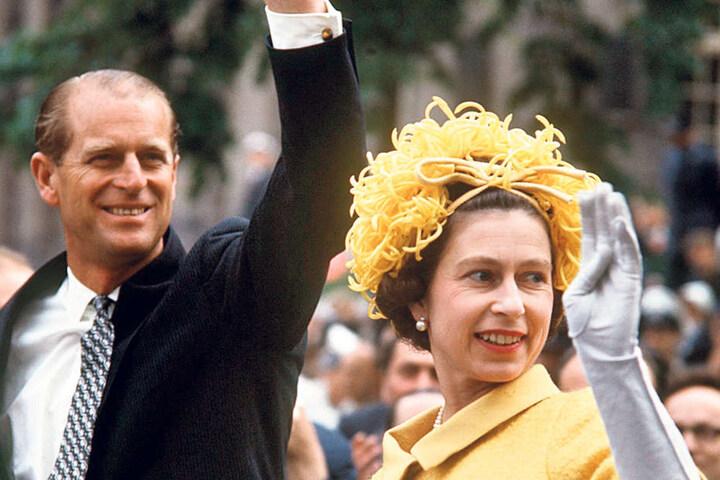 Zur Hochzeit, zwei Jahre nach Kriegsende, durften Philips deutsche Verwandte nicht kommen. Erst im Mai 1965 reiste das Paar nach Deutschland.