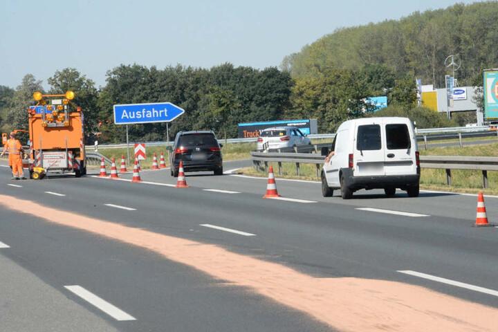Erst nach einer Stunde wurde der rechte Fahrstreifen für den Verkehr freigegeben.