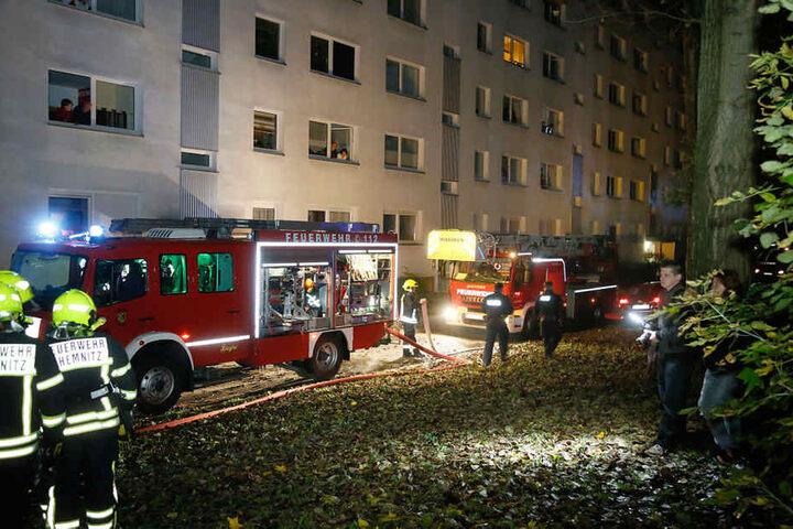 Die Feuerwehr wurde am Freitagabend gegen 23.00 Uhr in die Strasse Usti nad Labem gerufen.