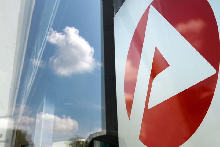 Die Zahl der Arbeitslosen ist in Bayern gestiegen.