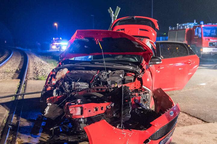 Der Fordfahrer wurde bei dem Unfall verletzt, kam umgehend in die Notaufnahme des Weimarer Krankenhauses.