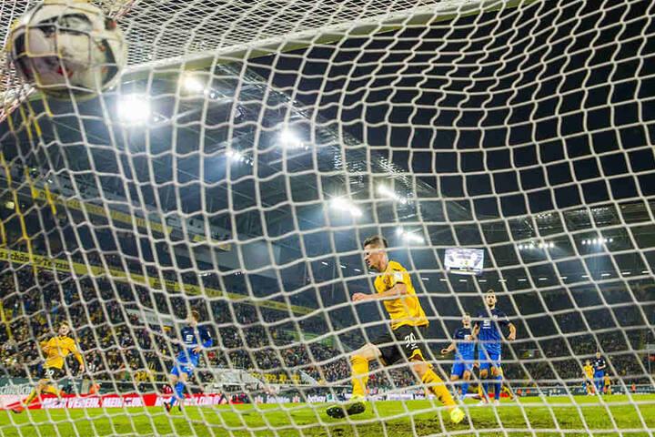 Mit seinem Tor zum 3:2 krönte Kutschke die Hinrunden-Partie gegen Eintracht Braunschweig.