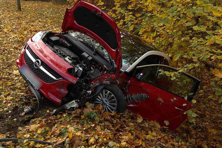 Insgesamt entstand bei dem Unfall ein Sachschaden in Höhe von ca. 21.000 Euro.