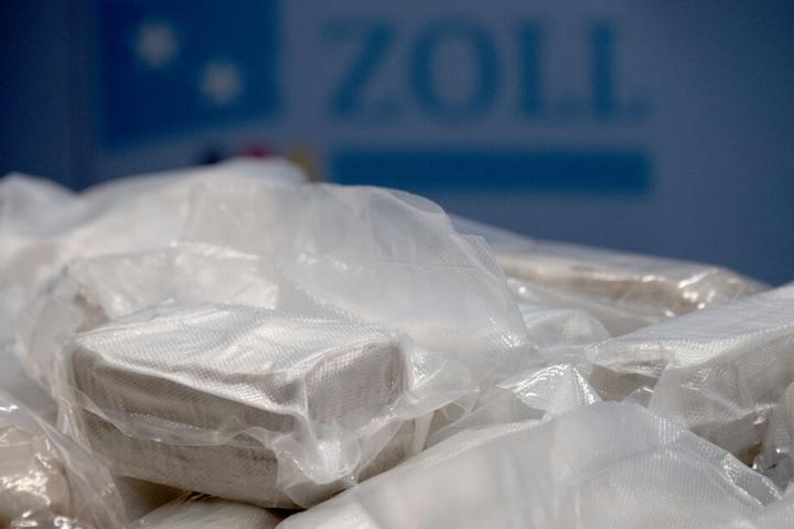 Heroin in kleinen Päckchen verpackt. (Symbolbild)