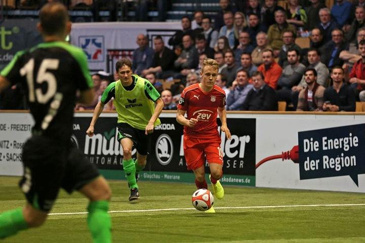 Felix Geisler (am Ball) – bleibt er in Zwickau oder geht er zurück nach Cottbus?