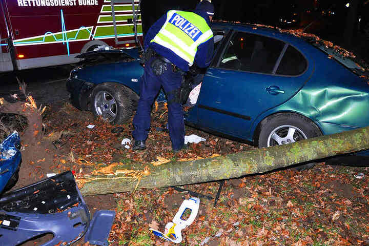 Der Fahrer musste ins Krankenhaus gebracht werden.