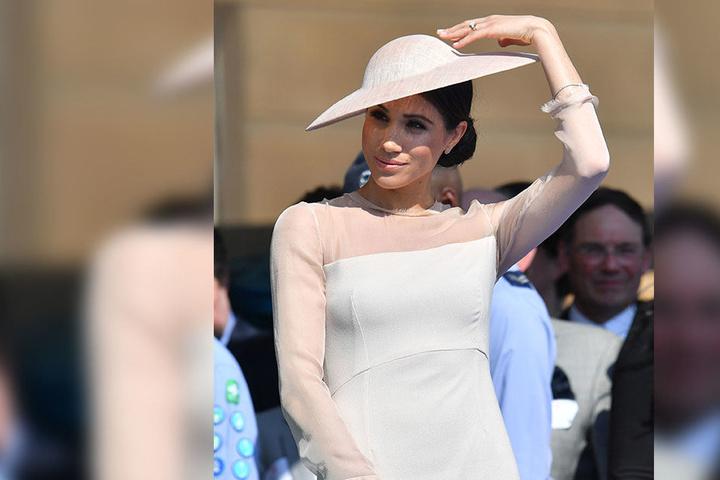 Herzogin Meghan begeisterte in einem Ton-in-Ton abgestimmten Ensemble und legte einen wahrhaft königlichen Auftritt hin.