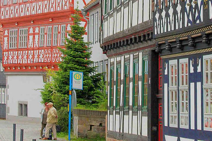 Die kreisfreie Stadt Suhl liegt im Süden Thüringens und hat momentan ca. 36.800 Einwohner.
