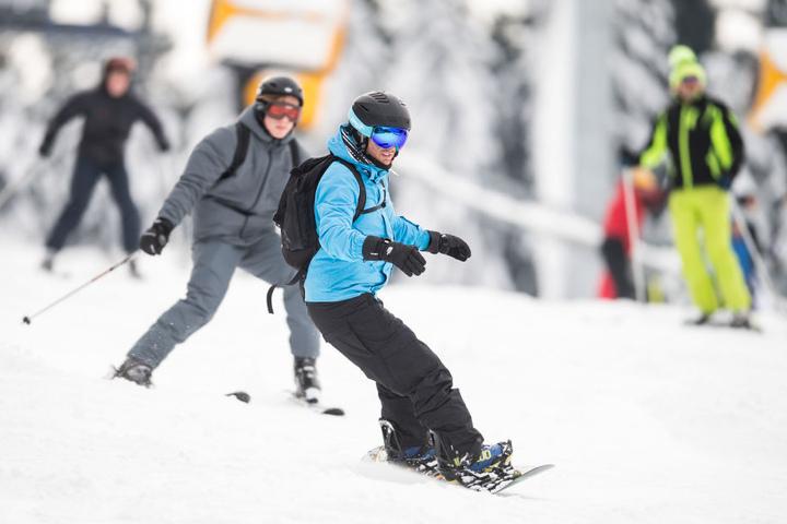 Bei bestem Wetter kamen Snowboarder und Skifahrer voll auf ihre Kosten.