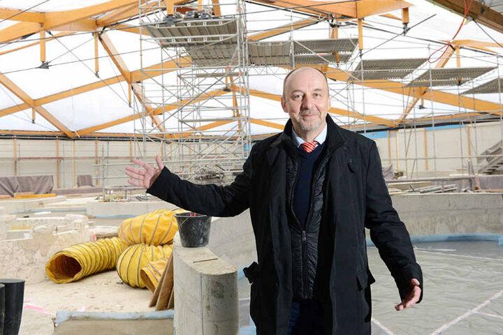 Bäderchef Matthias Waurick (54)  hofft, dass das (bis zur Schließung) meistbesuchte Dresdner Bad im Juni endlich  fertig wird.