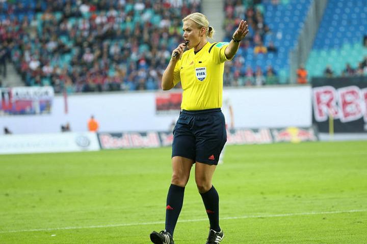 Letztmalig war Bibiana Steinhaus am 11. September 2015 in der Red Bull Arena an der Pfeife. Damals gewann RB Leipzig noch in der 2. Bundesliga 2:0 gegen den SC Paderborn.