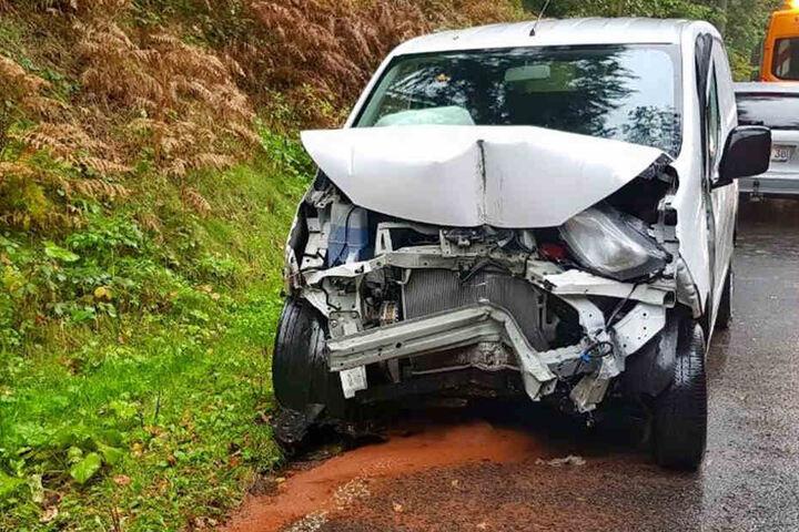 Das Auto musste abgeschleppt werden.