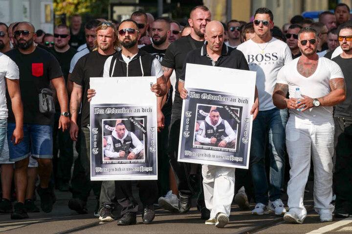 Im September trafen sich Mitglieder und Sympathisanten der Tribuns zum Trauermarsch.