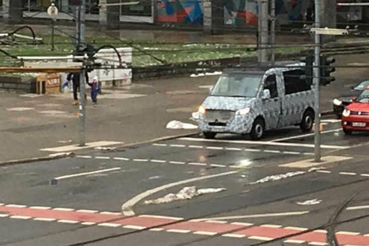 Seit Tagen sieht man auch diesen getarnten Transporter in der Chemnitzer Innenstadt.