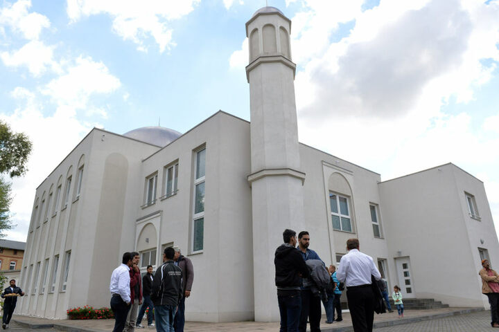 Die Gemeinde strebt wohl eine modernere Variante der Moschee an, wie hier die Khadija Moschee in Berlin.
