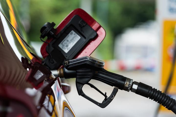 Einige Tankstellen können nicht mehr wie üblich per Schiff versorgt werden.