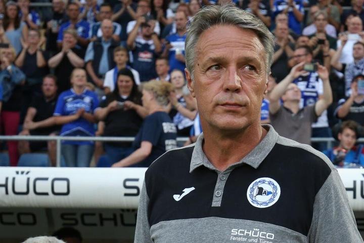 DSC-Trainer Uwe Neuhaus warnt seine Spieler vor dem VfL Bochum.