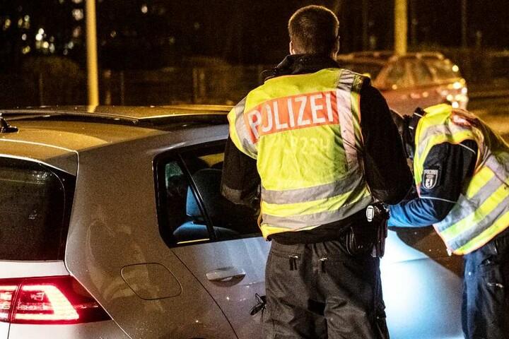 Die Polizisten nahmen dem Mann seinen Autoschlüssel ab. (Symbolbild)