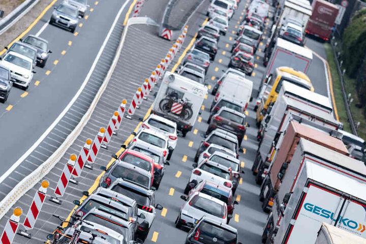 Der Verkehr soll von den Bauarbeiten möglichst wenig betroffen sein. (Symbolbild)