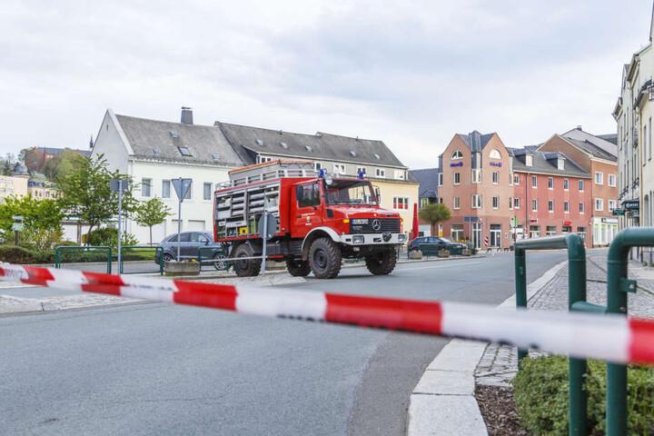 Rund 40 Kameraden waren im Einsatz! Die Stollberger Innenstadt ist immer noch gesperrt.