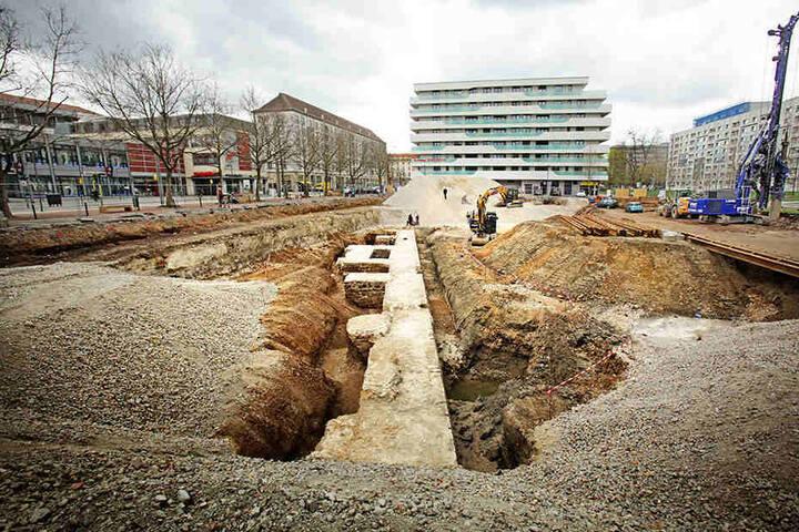 Auf einer Fläche von 4000 Quadratmeter direkt an der Wallstraße laufen die archäologischen Arbeiten.