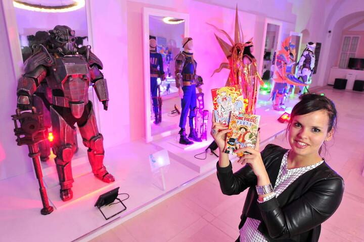 Die größte Manga-Ausstellung überhaupt: Susi Höfer (31) lies MOPO schon mal  einen Blick in die Schau werfen.