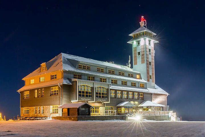 Das Hotel auf dem Berggipfel.