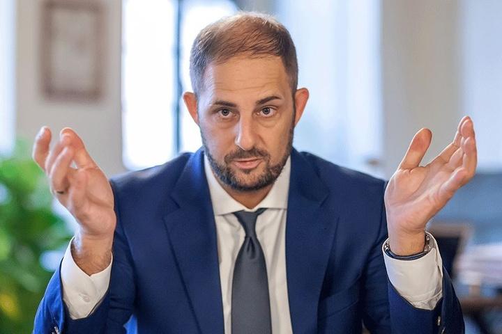 Jesko Vogel (44, Freie Wähler), Oberbürgermeister von Limbach-Oberfrohna, hatte im Stadtrat einigen Widerstand zu überwinden, ehe es grünes Licht für den neuen Sportplatz im Ortsteil Wolkenburg gab.