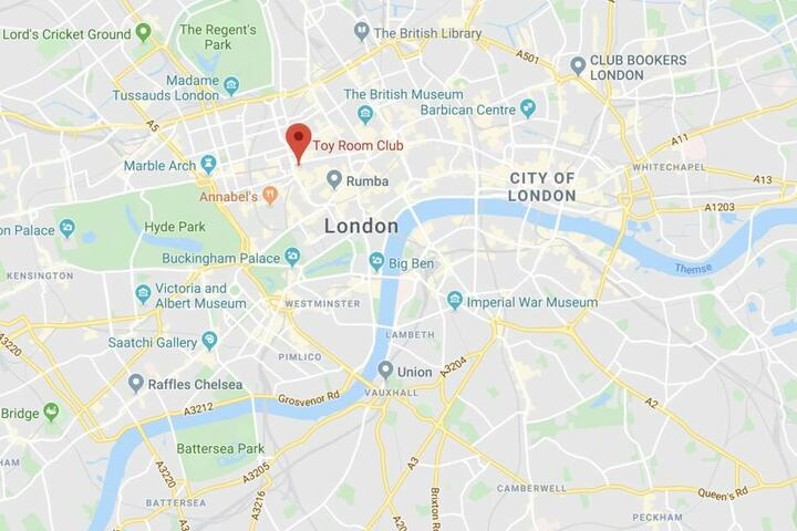 In London ist es in Großbritannien zu einer Massenschlägerei vor einem Klub gekommen.