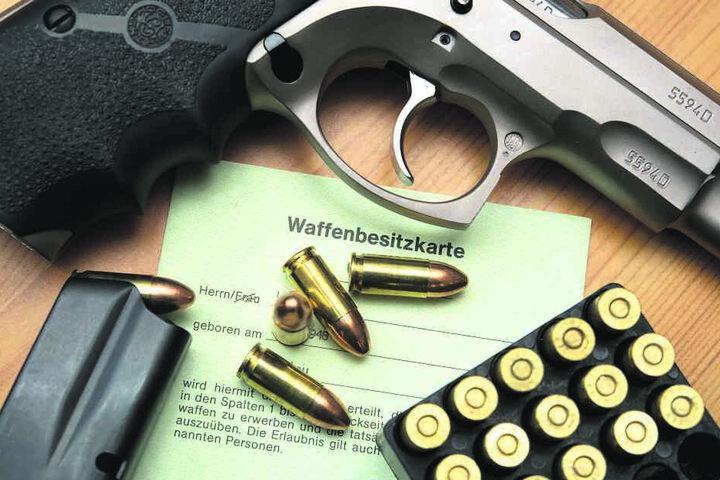 In Chemnitz gibt es immer mehr Waffenbesitzer und Waffen. Doch die Stadt kontrolliert die Schießeisen und ihre Nutzer nicht.