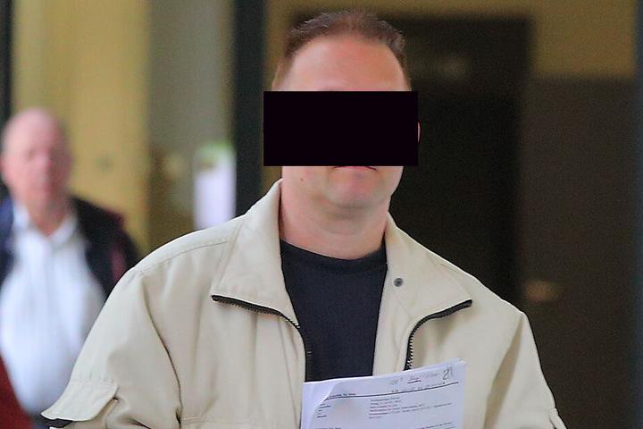 Steffen B. (43) wollte gestern die Arbeitsstunden nicht annehmen, muss nun mit einer hohen Geldstrafe rechnen.