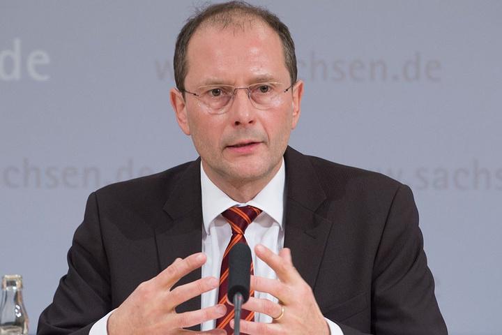 Sachsens Innenminister Markus Ulbig (52, CDU) bot der EU-Grenzschutzagentur Frontex am Freitag seine Hilfe an.