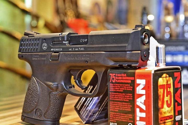 Justizbeamte konfiszierten am Fachgerichtszentrum in diesem Jahr sogar eine Schusswaffe.