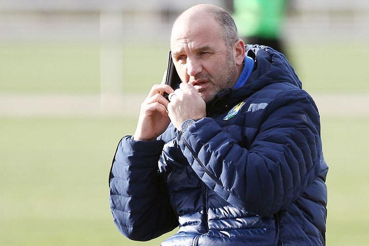 Steffen Ziffert hing in den vergangenen Wochen oft am Telefon. Erst musste der Sportvorstand einen neuen Trainer, dann mögliche Verstärkungen suchen. Ziffert sieht den CFC stark genug, um die Klasse zu halten.