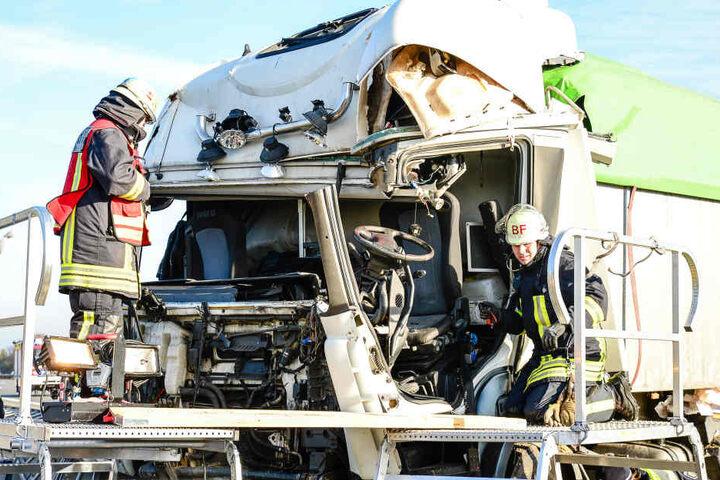 Die Schwere des Unfalls wird ersichtlich, wenn man sich das Führerhaus anguckt.