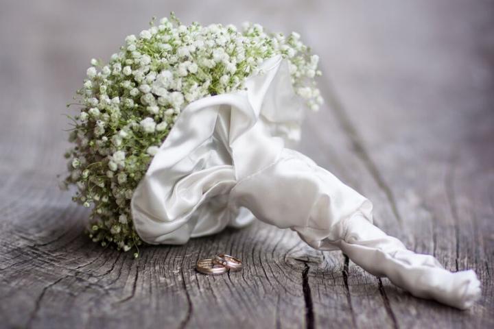 Der Mann war bei einer Hochzeitsfeier abgestürzt. (Symbolbild)