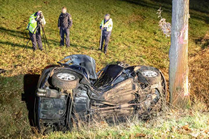 Der Toyota erlitt durch den Aufprall einen Totalschaden.