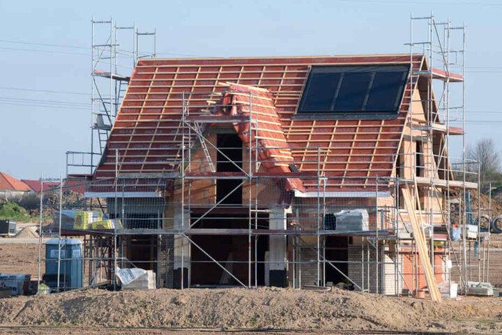 In Tübingen müssen neue Wohnungen her. Ob auf unbebauten Grundstücken nun gebaut wird? (Symbolbild)